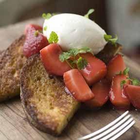 French toast with summer berries-Vue De Monde
