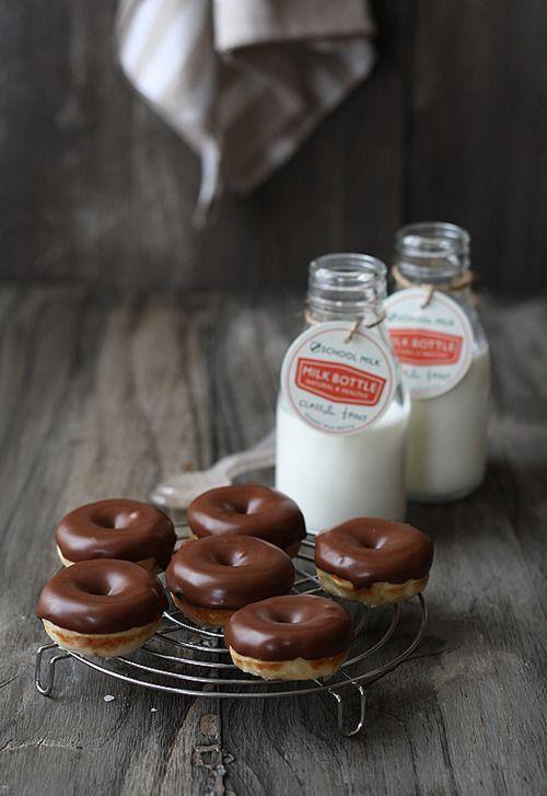 kiyoaki:    (vía Mini donuts de chocolate – Chocolate doughnuts)