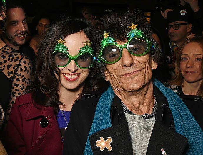 Ронни Вуд снова станет отцом - http://russiatoday.eu/ronni-vud-snova-stanet-ottsom/ 68-летний музыкант объявил о беременности своей женыВот над кем возраст поистине не властен, так это над гитаристом группы The Rolling Stones Ронни Вудом. На днях появилась информация, что музыкант скоро снова ст�