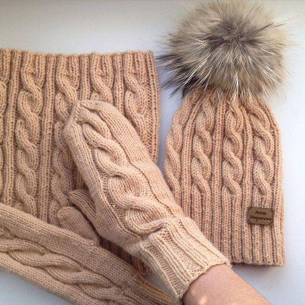 ВЯЗАНЫЕ ИЗДЕЛИЯ шапки, снуды, варежки, свитера..