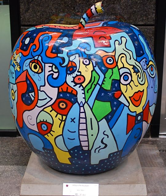 NYC ♥ NYC: Painted Apple Sculptures By Romero Britto And Billy On Display At 590 Madison Avenue