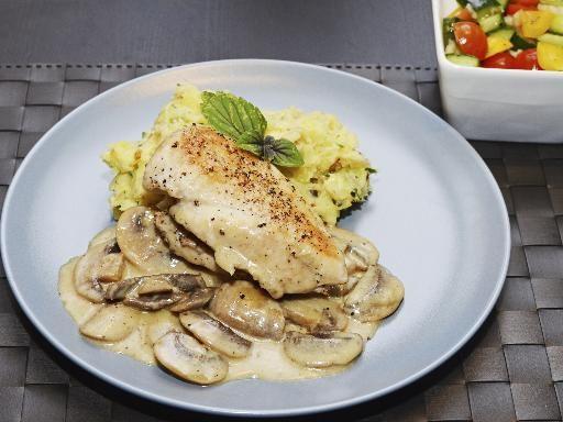 Recette Escalope à la crème ail et persil, notre recette Escalope à la crème ail et persil - aufeminin.com