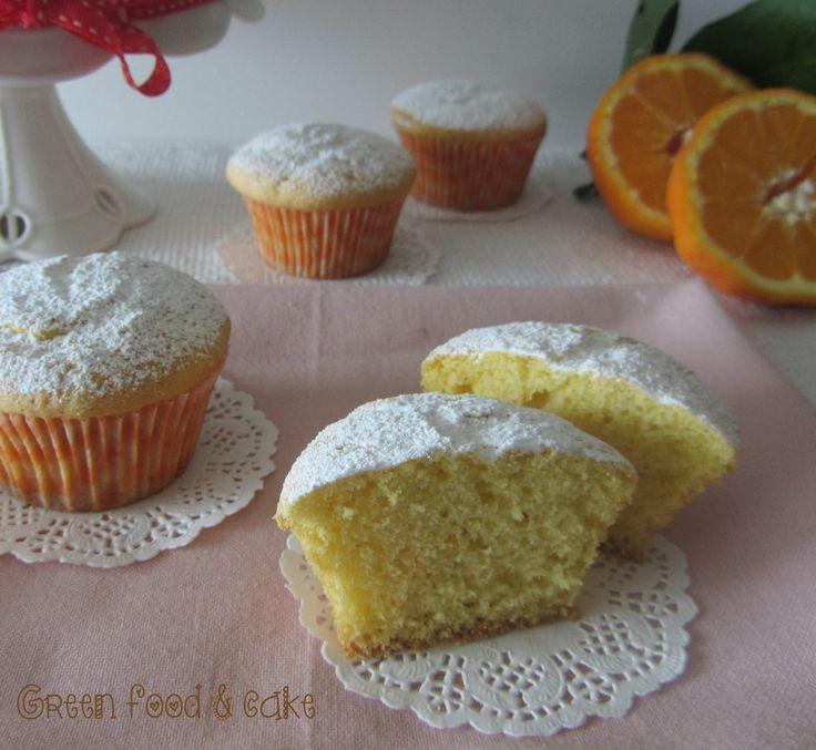 La sofficità e la delicatezza della torta paradiso, in versione monoporzione: ecco i muffin paradiso...si sciolgono in bocca!