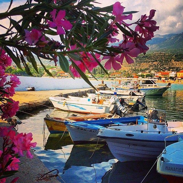 _xrhstos_ Stoupa http://instagram.com/p/q_lzCDyc01/