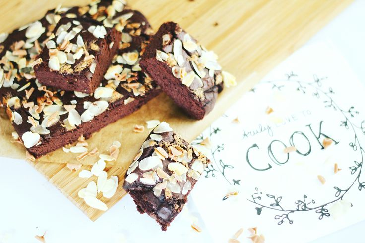 RECEPT: zwarte bonen brownies met hazelnoten