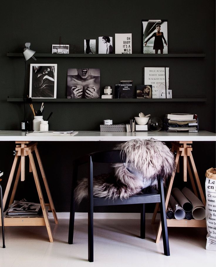 Dramatic desk