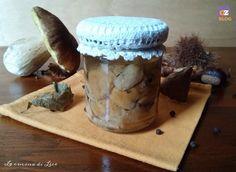 I funghi porcini sott'olio sono un ottimo contorno ma anche un prelibato antipasto. Inoltre possono essere un prezioso pensiero da regalare a Natale.