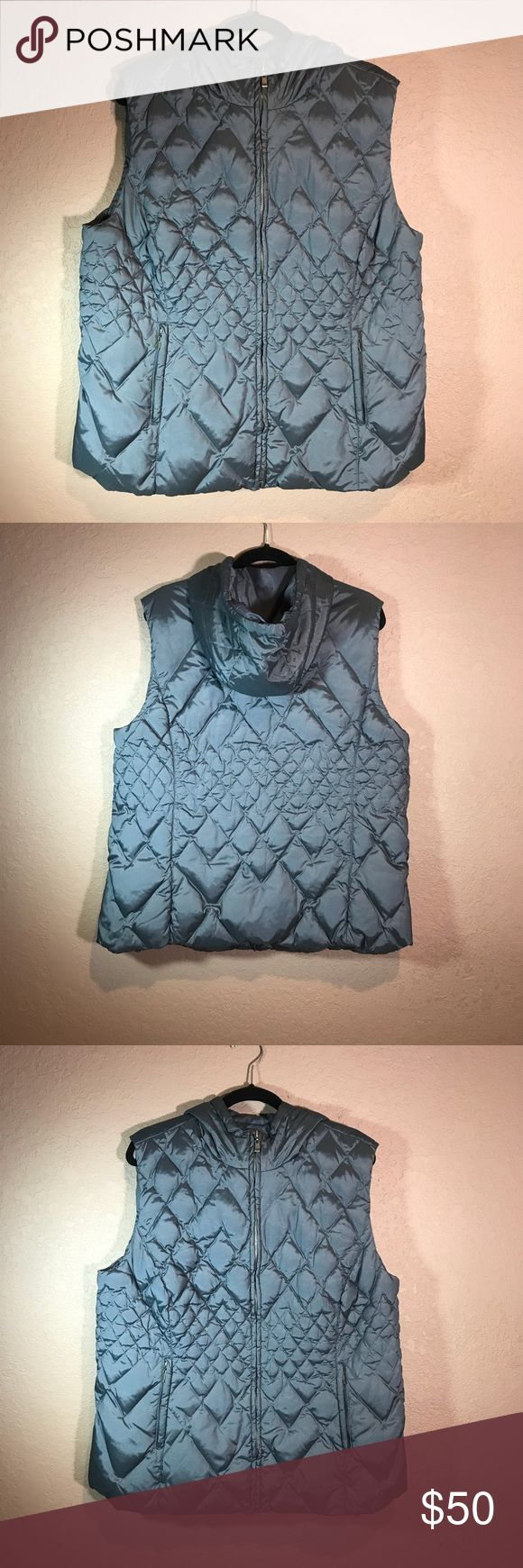 Lane Bryant plus size hooded puffed vest 18/20 Lane Bryant plus size puffer vest hooded pre loved in p effect Condition worn once on a trip to NY lane bryant Jackets & Coats Puffers