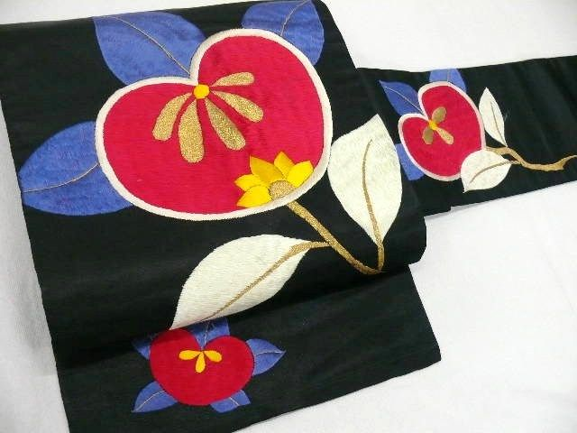 "Silk ""Shusu Nagoya-obi"" with Hand-Embroidered ""Tachibana(Citrus)"" Motif"