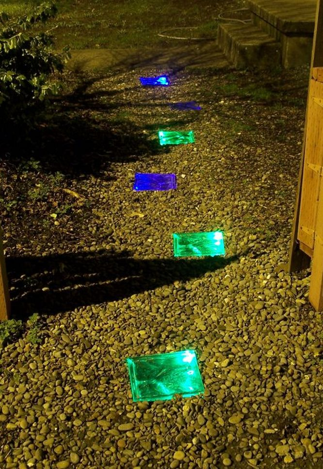 DIY - Solar Powered Glass Pavers #diy #dan330 #garden http://livedan330.com/2015/04/23/diy-solar-powered-lit-glass-pavers/