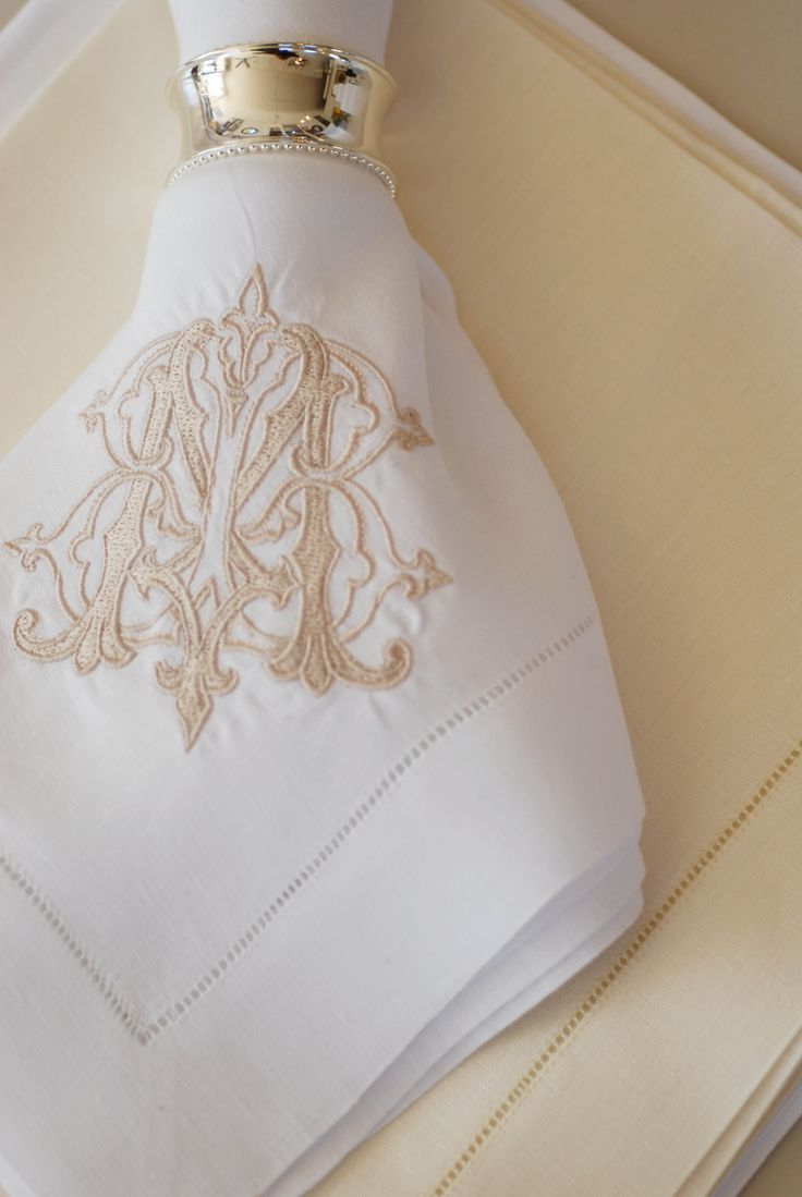 monogrammed placemats and napkins