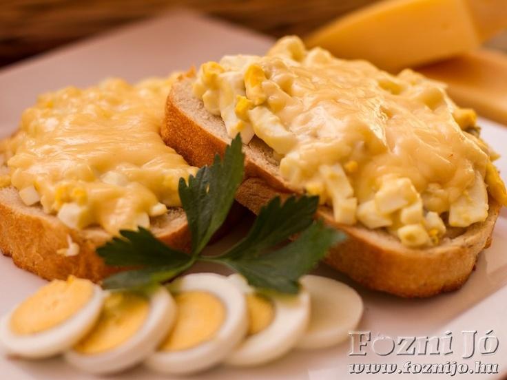 tojáskrémes melegszendvics