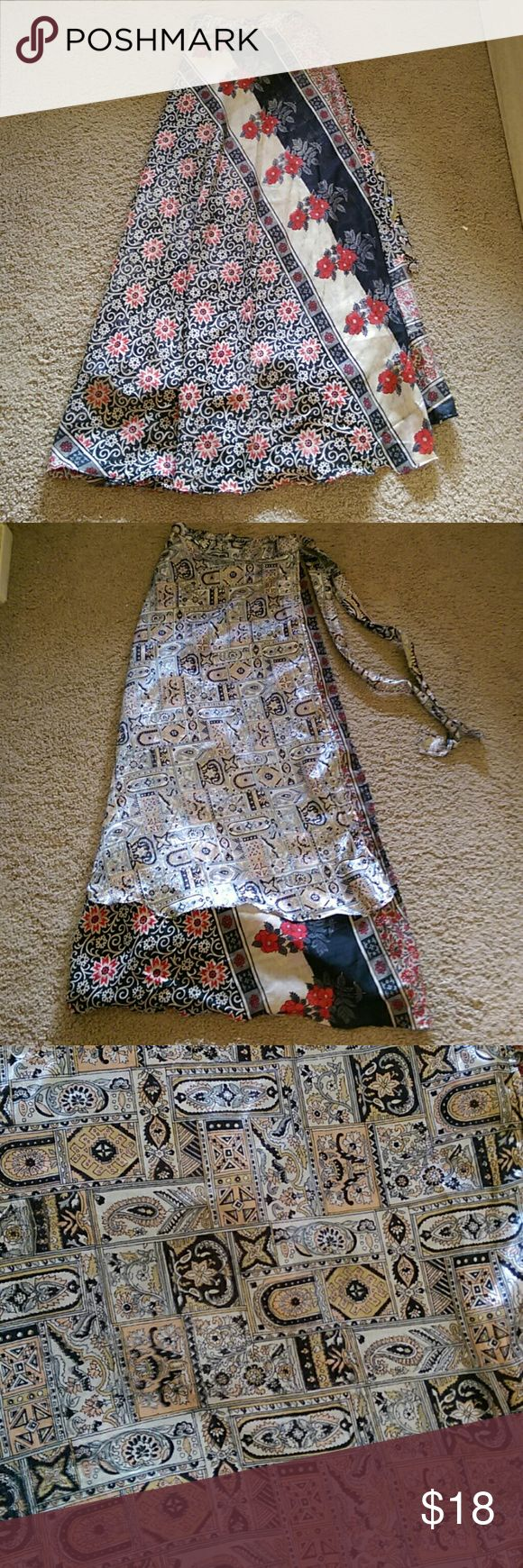 Boho floral wrap skirt/dress This gorgeous Indian wrap skirt is perfect for a boho-chique look. It's reversible with two beautiful prints and is made of a soft silky material. It can be worn in a million different ways, some examples shown in the last picture. Skirts