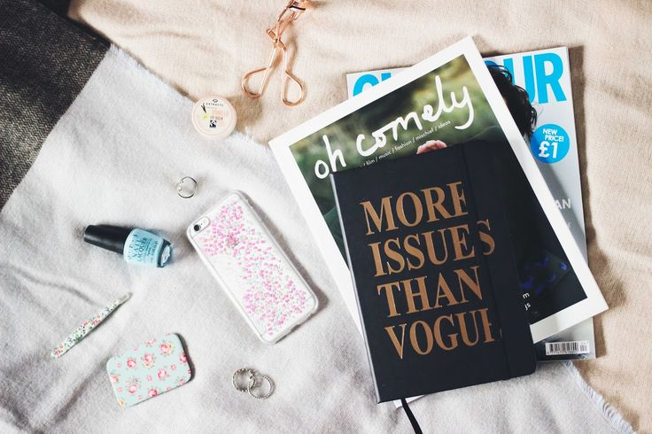 5 Lessons I've Learned From A Social Media Break   #flatlay #bblogs #lblogs #phone #socialmedia #blogs #lbloggers #ukbloggers #bbloggers #stationery flat lay