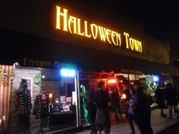 halloween town in burbank