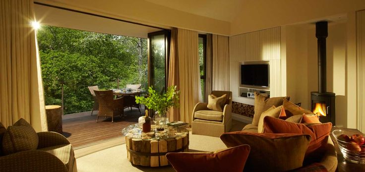 The Treehouses Suites at Chewton Glen: luxury tree house accommodation in the New Forest, Hampshire