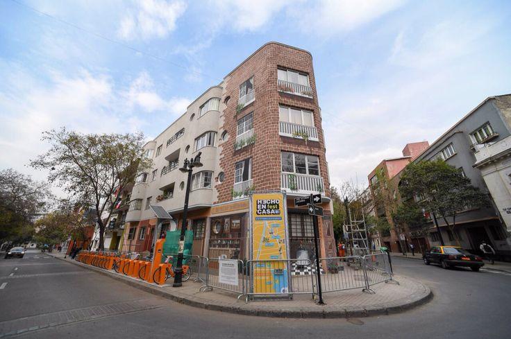 Mural realizado en El Barrio Lastarria De Santiago de Chile por el Festival hecho en casa
