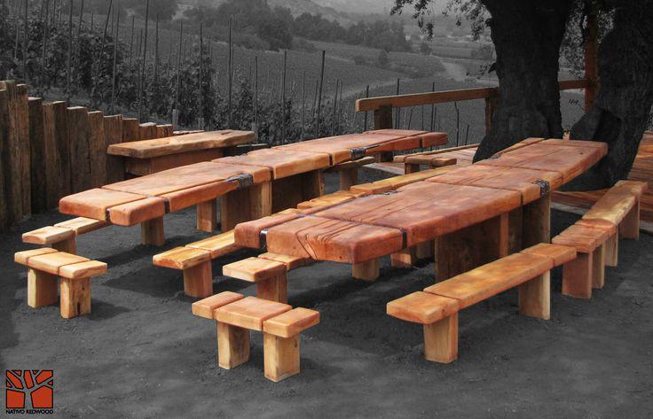 Nativo Redwood. Banca de roble rústico con flejes de fierro forjado empotradas en obra. Dimensiones: 0.35x0.70 + 0.35x1.50 www.facebook.com/nativoredwoodsa