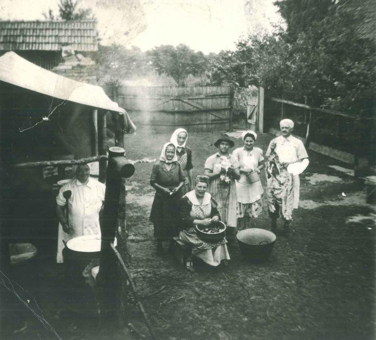 Disznóvágás a tanyán 1930-ban