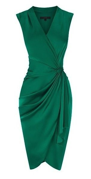Gorgeous emerald color and a flattering cut on almost all women! The wrap-look highlights the waist. Jaglady