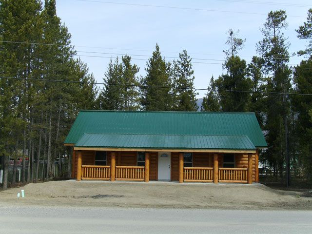 Sundance. There is no place like home! Make this your home with one easy phone call! 250-566-8483