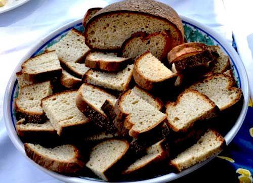 #Pane nero di #Castelvetrano: a traditional bread made with the #Tumminìa wheat. A Slow Food presidium. #sicily