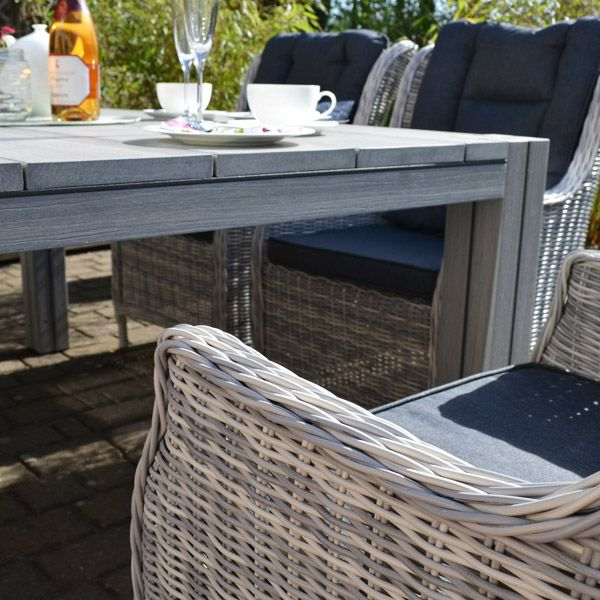 Eine Perfekte Kombination Modern Graues Rattan Das Innovative Enviro Wood Gartenmobel Gartentisch Holzoptik Gartenmobel Gartenmobel Holz