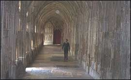 Tidbits about Gloucester Cathedral modifications that were made to transform it temporarily into Hogwarts
