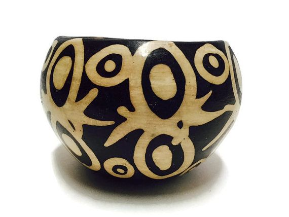 Vintage Peruvian Pottery Pot Black White Tribal Pottery Chulucanas Bowl Ornate Spider Planter Bohemian Decor Collector Bookcase Display