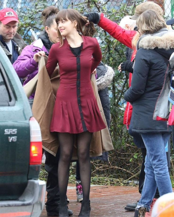 Dakota Johnson – Set of 'Fifty Shades Darker' in Vancouver : Global Celebrtities (F) FunFunky.com