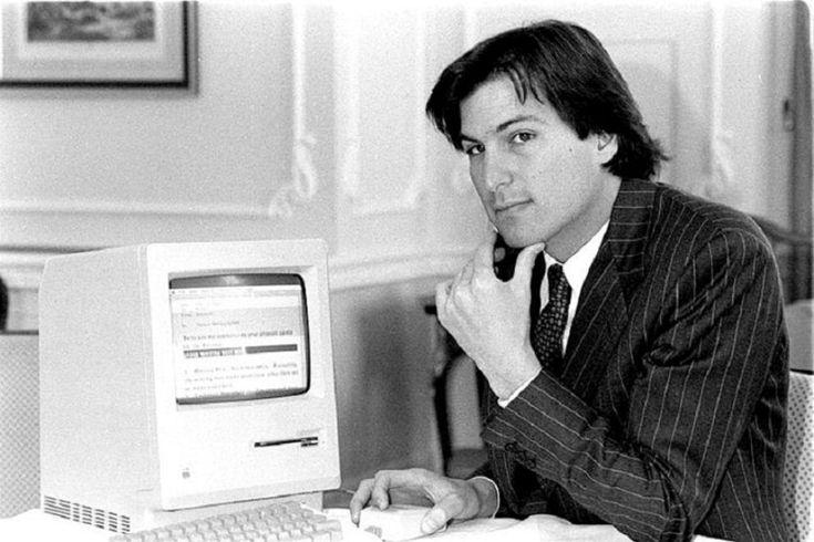 Steve Jobs era un papa' 'poco tecnologico', limitando l'uso delle  tecnologie dei suoi figli a casa. A rivelarlo il  New York Times  citando  un'intervista al fondatore della Apple poco dopo il lancio dell'iPad.  Per Jobs la cena a tavola in cucina tutti insieme parlando di libri e  di altre temi era un 'must' e nessuno durante questo appuntamento ha  mai tirato fuori un iPad. I suoi figli - secondo indiscrezioni - non  erano dipendenti dai dispositivi tecnologici. I limiti imposti da Jobs…