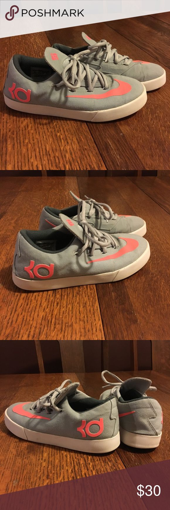 Kevin Durant KD shoes Nike Kevin Durant KD women's size 7 or youth size 5.  Perfect condition.  Worn maybe twice.    ~Bundle for bigger savings or make me an offer!~  🛍🛍💝😘💜🎁 Nike Shoes
