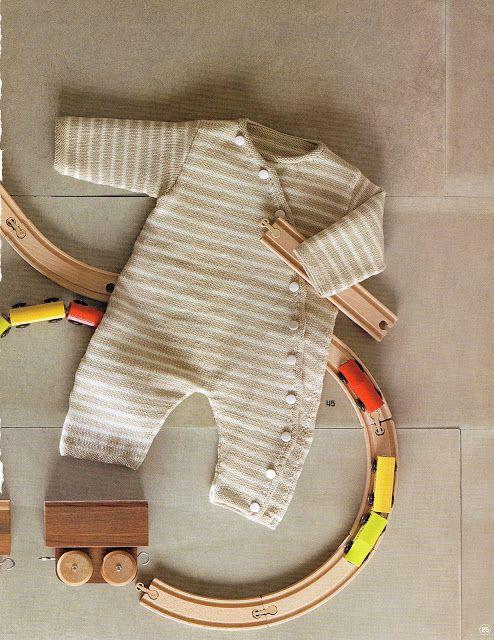 Los Tres Botones: Patrón para lanas de buzo de bebé en punto, Katia