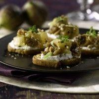 Bruschetta aux figues, poires et arachides sur Wikibouffe