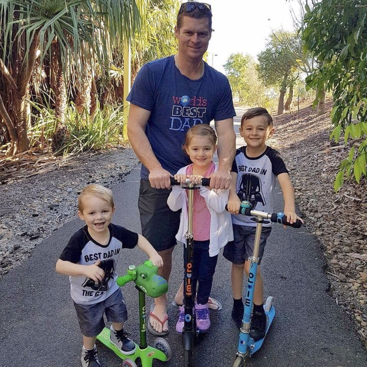 Scoot into these school holidays with the whole crew! 🛴  _ 📷 @the_d_tribe | #microscooter #mbfreerider #eurotrike #scootaheadz #schoolholidays #funwithkids