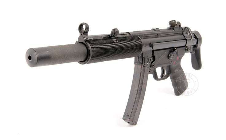 Heckler & Koch MP5-A3 and SD3 9 x 19mm sub-machine guns « Foxtrot ... Find our speedloader now! http://www.amazon.com/shops/raeind