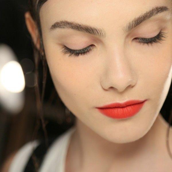 5 Unbelievably Long-Lasting Lip Colors | The Zoe Report