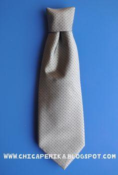 Tutorial de Cómo hacer una corbata para niño a partir de la de un adulto
