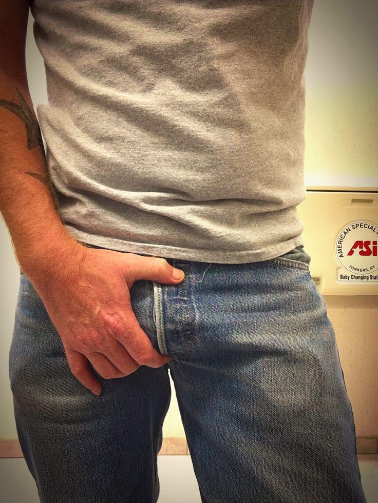 men in 501 levi 39 s jeans bulge pinterest. Black Bedroom Furniture Sets. Home Design Ideas