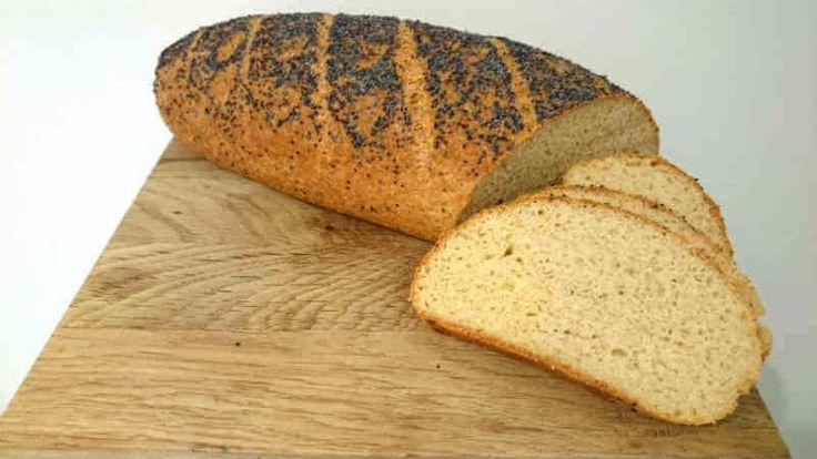 """Supergott LCHF-bröd utan mandelmjöl. En variant på """"The Franska"""" som har blivit jättepopulärt. Påminner verkligen om vanligt bröd."""