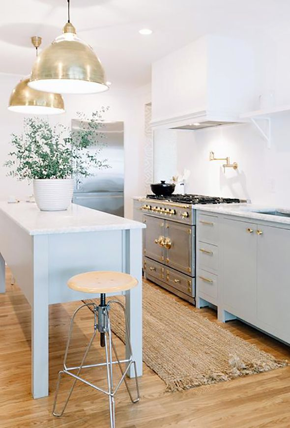 cabinet and island color - pretty with the marble