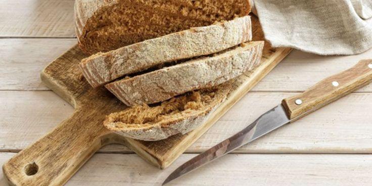 Is brood nou wel of niet gezond? Volgens eennieuwe pro-broodcampagne wel, al zullen voedingskundigen het voorlopig niet met elkaar eens worden.Hoe dan ook, deze weetjes over broodkomen altijdvan pas. Door boeken zoals De Voedselpiramide en Broodbuik zijnvooral hoogopgeleide vrouwensteeds minder brood gaan eten. En dat moet anders, vindthetNederlands Bakkerij Centrum dat deze week een pro-broodcampagne…