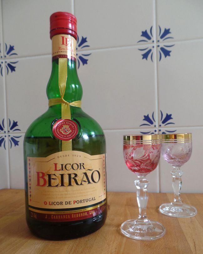 In de hoofdrol: Licor Beirão. Lees het op https://zininportugal.wordpress.com/2015/06/28/in-de-hoofdrol-licor-beirao/