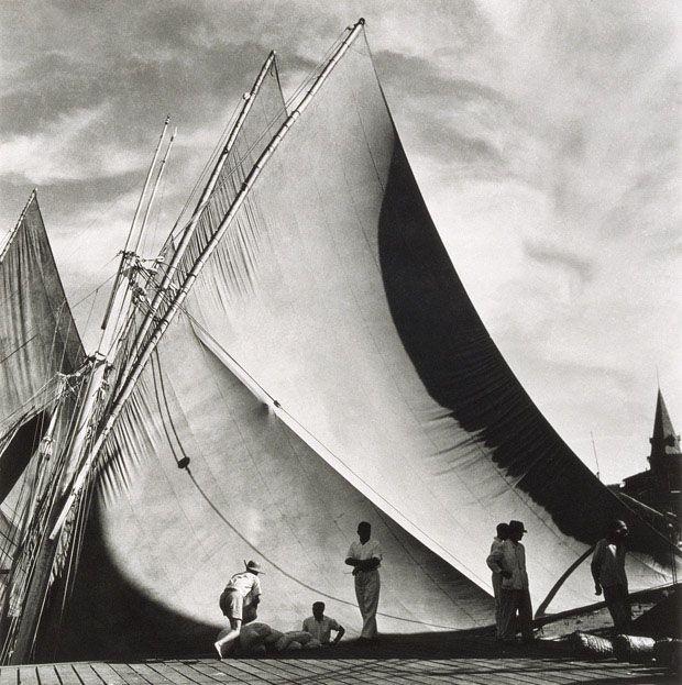Porto de Veleiros Ver-o-Peso, de Pierre Verger, Belém, 1948