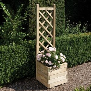 We all have that little space in the garden next to the outdoor tap, rainwater downpipe, well this Rowlinson Square Trellis Planter helps cover all these unsightly matters.