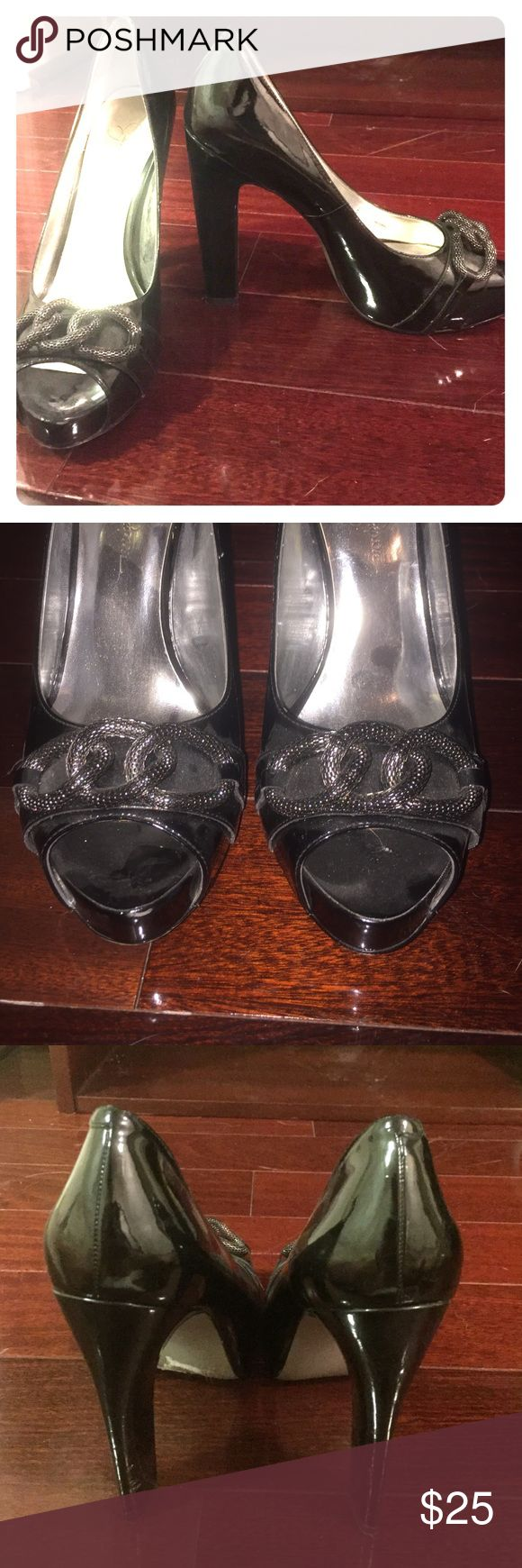 Jessica Simpson Black Heels Jessica Simpson Black Heels. Fun silver detail on toes. Opened toed. Only worn once.  Size: 8 Jessica Simpson Shoes Heels