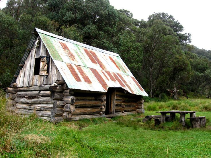 great-alpine-walk-track-passes-dibbins-hut-also-called-creep-inn.jpg 800×600 pixels