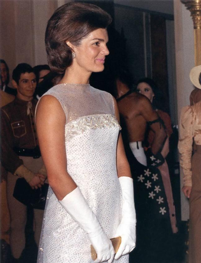 jacqueline kennedy onassis | Marcó un antes y un después en el mundo de la moda y sigue siendo ...
