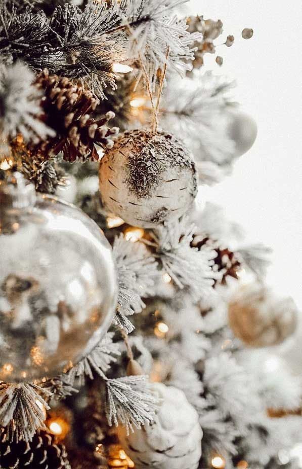 Festive Iphone Wallpaper Glitter Gold Iphone Wallpaper Festive Wallpaper For Ip Christmas Tree Photography Christmas Phone Wallpaper Christmas Tree Wallpaper