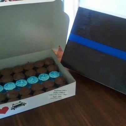 Blue Line Cupcakes for Pennsylvania LEOs at Findlay Township PD, North Fayette PD, Oakdale PD and PTI Public Safety